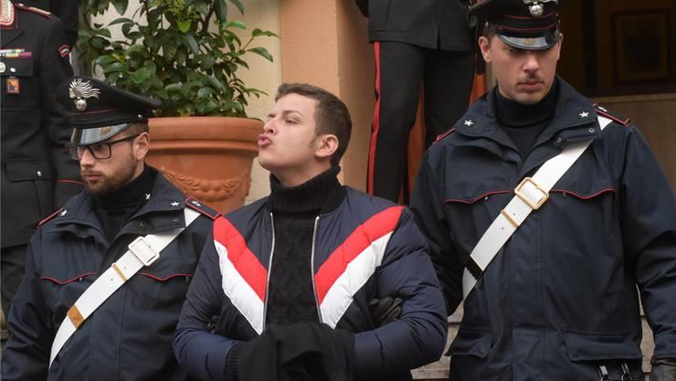 Der 28-jährige Leandro Greco (Mitte) soll der Boss der neuen «Cosa Nostra»-Mafia sein. Er wurde bei einer Razzia in Palermo festgenommen.MIKE PALAZZOTTO/Ansa/EPa/Keystone