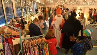 Diesen Anblick wird es heuer nicht mehr geben: Der Weihnachtsmarkt in der Dorfhalle Neuendorf findet nicht mehr statt.