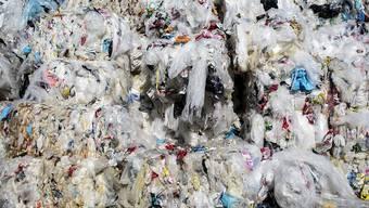 Aus Plastikabfällen sollen in Zürich neue Produkte entstehen. (Symbolbild)