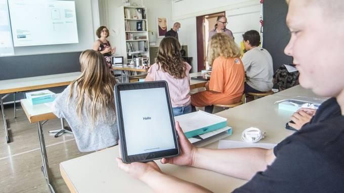 Erster Schultag in Baselbieter Sekundarschule mit iPads