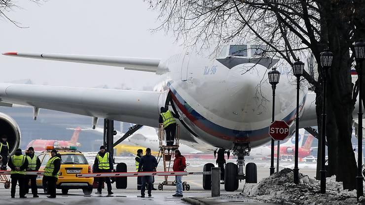 Mit diesem Flugzeug wurden die ausgewiesenen Diplomaten wahrscheinlich aus den USA nach Russland zurückgebracht.