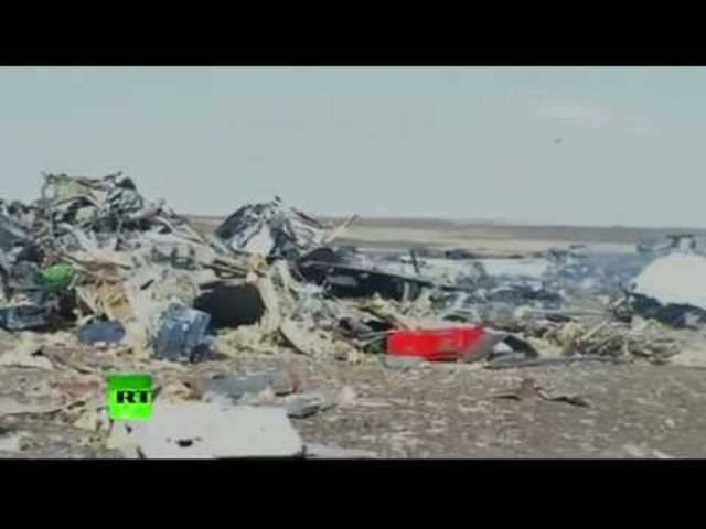 Flugzeug-Unglück im Sinai: Ein Video des russischen Staatssenders «Russia Today» zeigt die Absturzstelle.