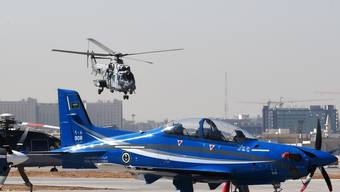 Ein PC-21 von Pilatus auf einem Luftstützpunkt in der saudischen Hauptstadt Riad. (Foto: Fayez Nureldine, AFP (25. Januar 2017))