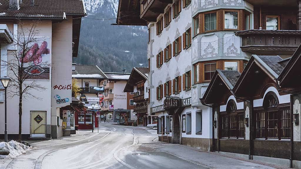 1200 Einsatzkräfte kontrollieren die Ausreise aus Tirol