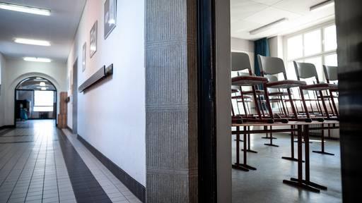 Neue Studie zeigt: Schulschliessungen bewirken in der Coronapandemie nur wenig