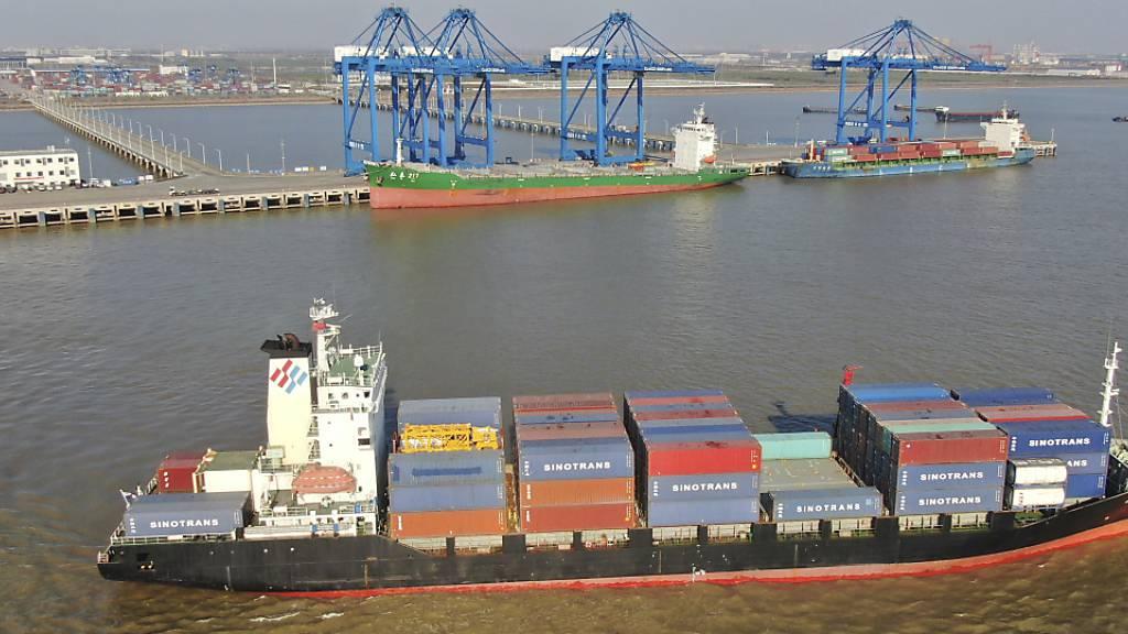 Chinas Exporte machen im Dezember erneut einen deutlichen Sprung. (Archiv)