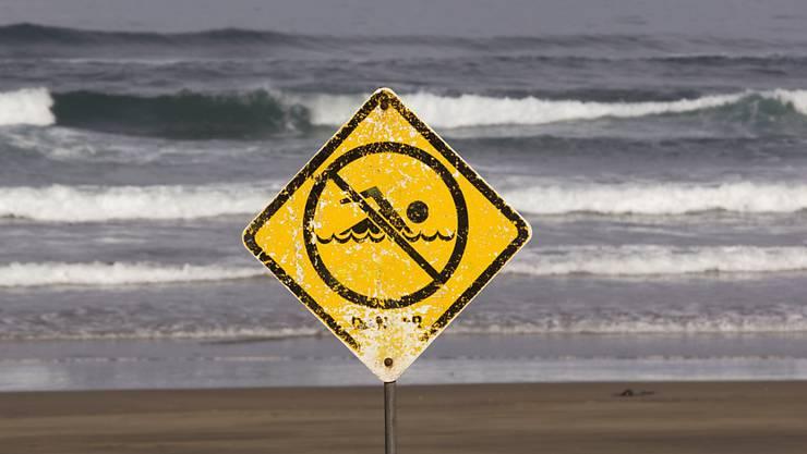 An einem Strand in der Nähe der neuseeländischen Metropole Auckland wurden 19 Drogen-Päckchen angeschwemmt. (Symbolbild)