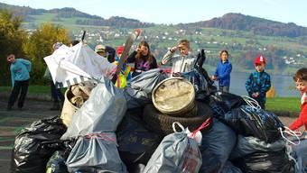 Drei Container Müll haben die Schüler gesammelt.