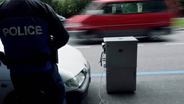 Die Genfer Regierung wollte einen Polizisten zu Unrecht fristlos entlassen (Symbolbild).