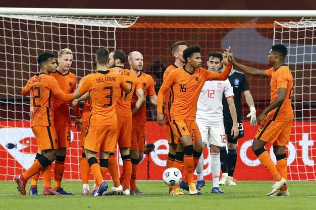 Die Holländer ringen Spanien im Testspiel ein 1:1 ab.