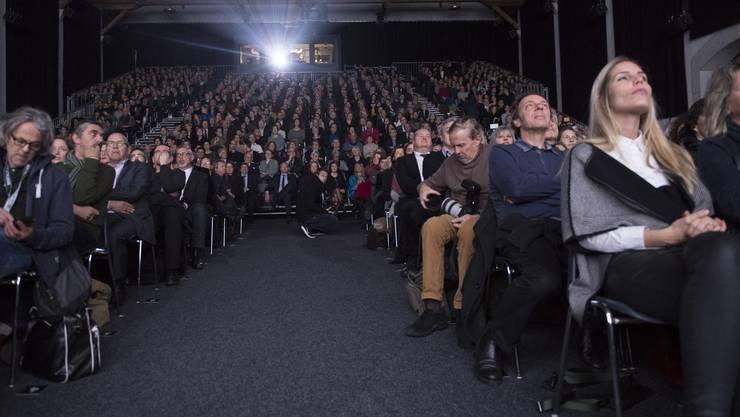 Blick in die Reithalle an der offiziellen Eröffnung der 52. Solothurner Filmtage.