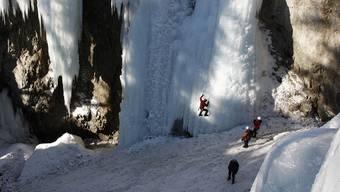 Eiskletterer in Pontresina im Oberengadin (Symbolbild)