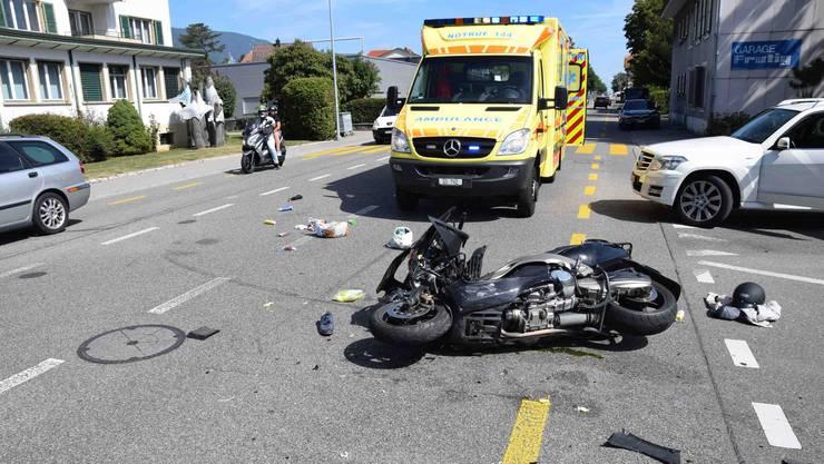 Beim Unfall in Grenchen zog sich der Rollerfahrer mittelschwere Verletzungen zu.