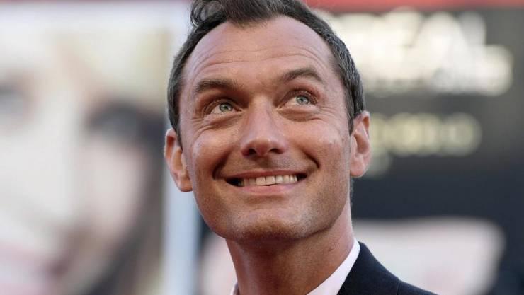 """Jude Law hat eine neue Rolle ergattert: In der Fortsetzung des Films """"Fantastic Beasts and Where to Find Them"""" wird er den jungen Albus Dumbledore spielen. (Archivbild)"""