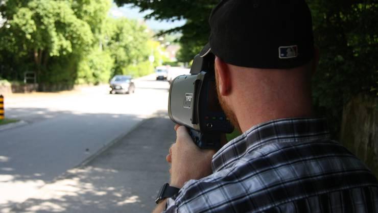Schon die erste Radarkontrolle im Mai 2018 bewies: Recht viele sind auf der St. Niklausstrasse zu schnell unterwegs.