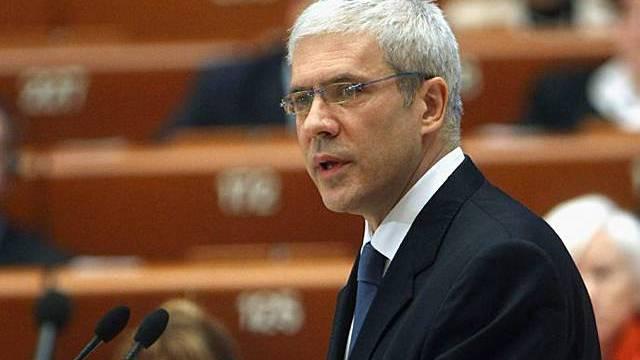 Tadic spricht vor den Abgeordneten des Europarats
