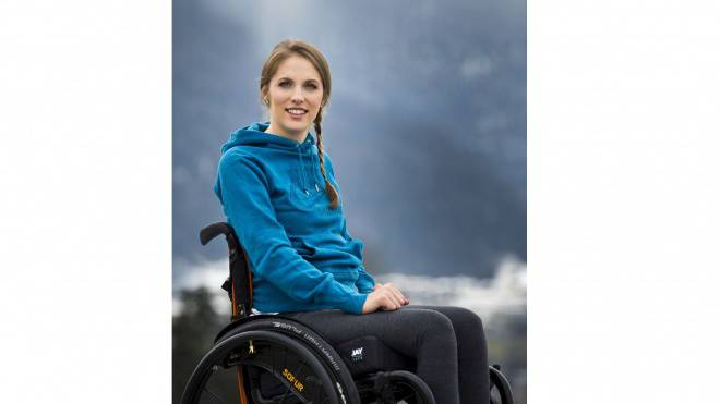 Kira Grünberg hat nach ihrem verhängnisvollen Trainingsunfall das Lachen schnell wieder gefunden – schneller als ihr engstes Umfeld. Foto: Mirja Geh