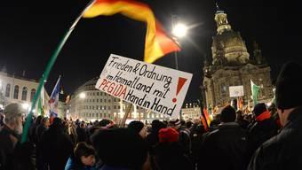 Pegida-Kundgebung in Leipzig und Dresden