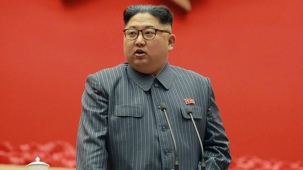 Südkorea bietet Nordkoreas Machthaber Kim Jong Un respektive auf hoher diplomatischer Ebene Gespräche an.