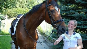 Ein starkes Team: Mirjam Meyer mit ihrem Pferd Robin. elj