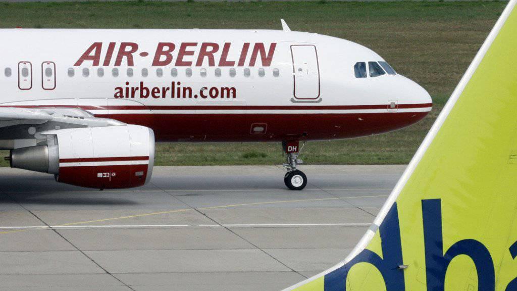 Einige Flugzeuge bleiben am Dienstag am Boden, weil die Piloten krank sind. (Symbol)