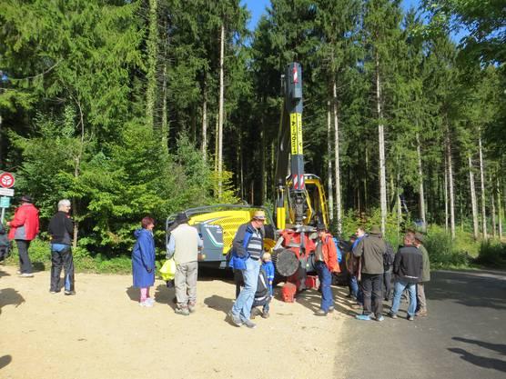 Hier die Maschine, die heute die Arbeit beim Fällen von Bäumen übernimmt