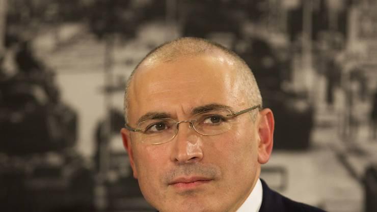 Die russische Justiz hält den Druck auf Chodorkowski aufrecht: Sie fordert, dass der Putin-Gegner in Moskau vor Gericht erscheint (Archiv).