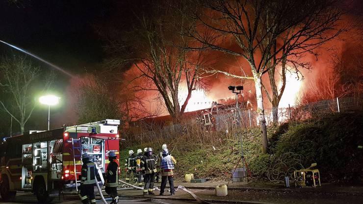 Der Kindergarten Seeboden in Wehr stand in der Nacht zum Dienstag in Flammen. Bild: Peter Umstetter