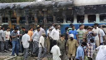 Schwarzer Tag für Indien: Zugunglück und Millionen ohne Strom