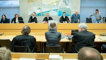 Der wegen Missbrauchs von Kindern verurteilte Logopäde beim Prozessbeginn am 5. März im Landgericht Würzburg. (Archivbild)