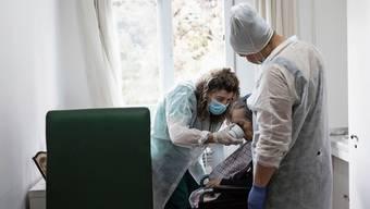 Ein Altersheim in der Nähe von Madrid: In den Einrichtungen wütete das Virus besonders.