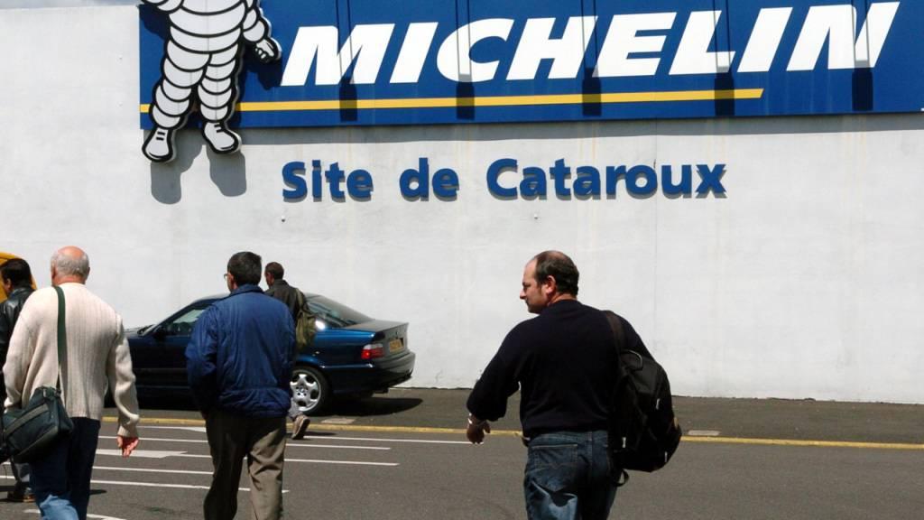 Der Reifenhersteller Michelin will bis zu 2300 Stellen streichen. (Archiv)