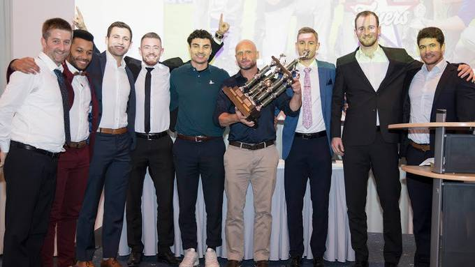 Stolze Therwil Flyers bei der SBSF Awards Night 2019.