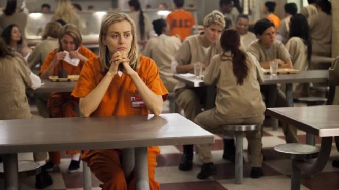Das Mitfiebern mit «Orange is the New Black»-Hauptfigur Piper Chapman (Taylor Schilling) kostet in der Schweiz 30 Prozent mehr als in Deutschland. Bild: Netflix