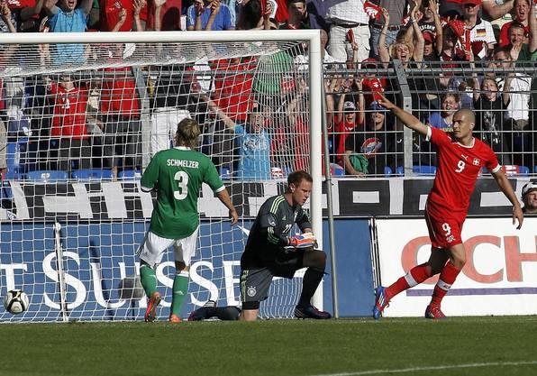 Schweiz-Deutschland 5:3! Eren Derdiyok trifft am 26. Mai 2012 im Testspiel gleich drei Mal.