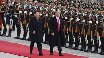 US-Präsident Donald Trump ist in Peking offiziell mit militärischen Ehren zu seinem Staatsbesuch begrüsst worden.