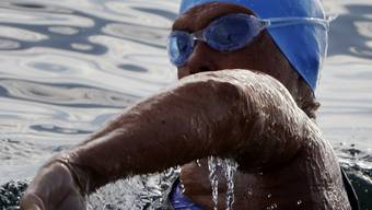 Quallen zwingen Extremschwimmerin zum Aufgeben