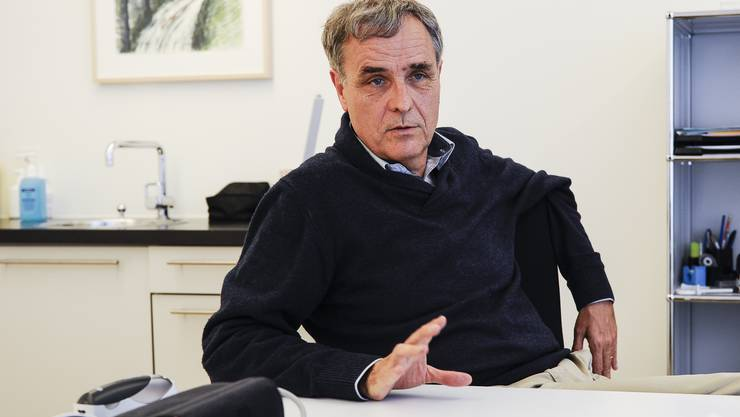 Guy Morin in seiner Arztpraxis