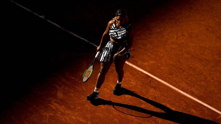 Serena Williams scheitert in der dritten Runde der French Open.