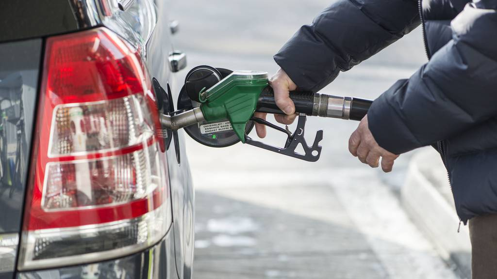 In Zetzwil tanken Aargauer das günstigste Benzin
