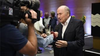 «Mit Fussball wirst du nie Geld verdienen, sagte mein Vater»: Sepp Blatter in Wettingen. Bild: awa