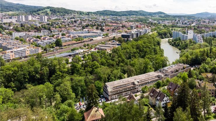 Blick auf Neuenhof (rechts). Bild: Sandra Ardizzone (23. Mai 2019)