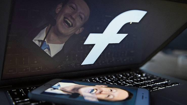 Ist Mark Zuckerberg, der Gründer von Facebook, ein naiver Idealist oder ein Zyniker? Oder einfach wettbewerbsfixiert?
