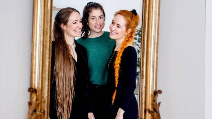 Sie stehen hinter ihrem Label «Eden XX» (v.l.): Mirjam Ritler, Lisa Erard und Olivia Ritler.