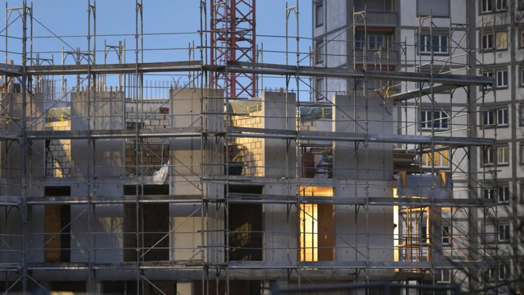 Trotz Bauboom steigen die Preise für Wohnimmobilien weiter. (Symbolbild)