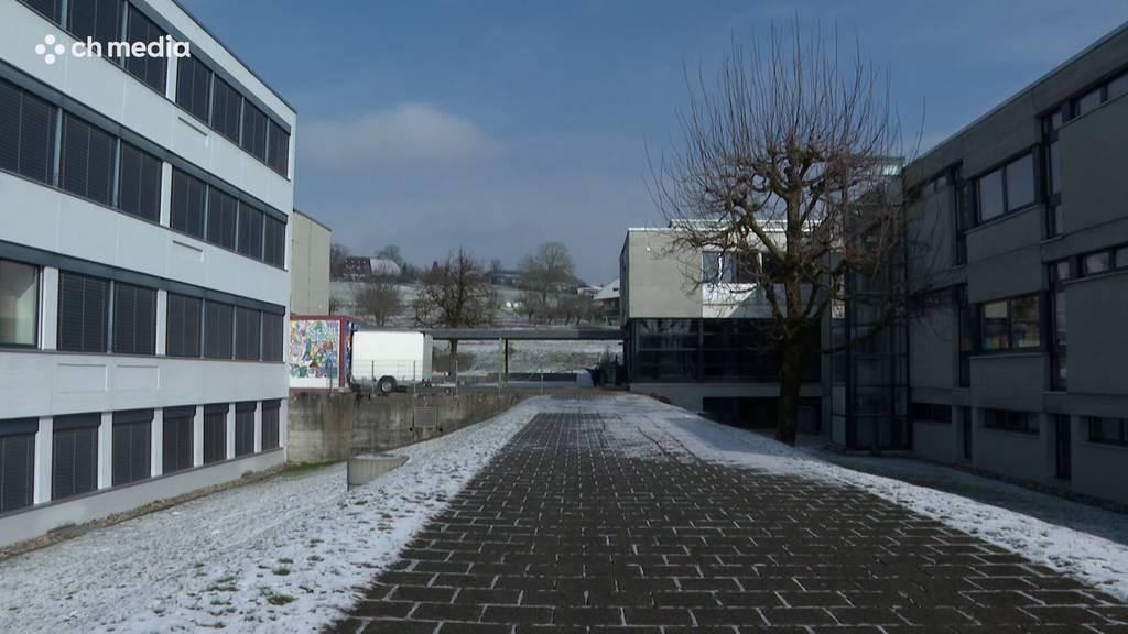 Schule Rüfenacht wegen Coronafällen geschlossen