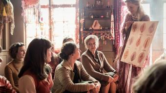Weil in dieser Szene über Vaginas diskutiert wird, wurde sie in Myanmar zensiert dargestellt.
