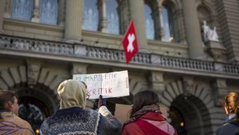 Klima-Aktivisten im März vor dem Bundeshaus: Eine Grossdemo im Wahlmonat Oktober lässt die Stadt Bern nicht zu.