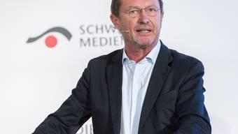 """Kurt W. Zimmermann, designierter Chefredaktor des """"Schweizer Journalisten"""", will das Blatt für Klatsch und Tratsch öffnen - allerdings nur für fundierten (Archiv)."""