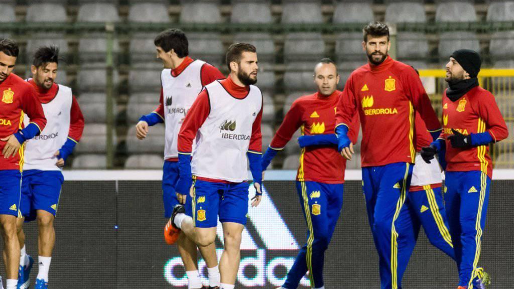 Die spanische Nationalmannschaft trainierte am Montag noch unter Polizeischutz im Stadion Roi Baudouin in Brüssel